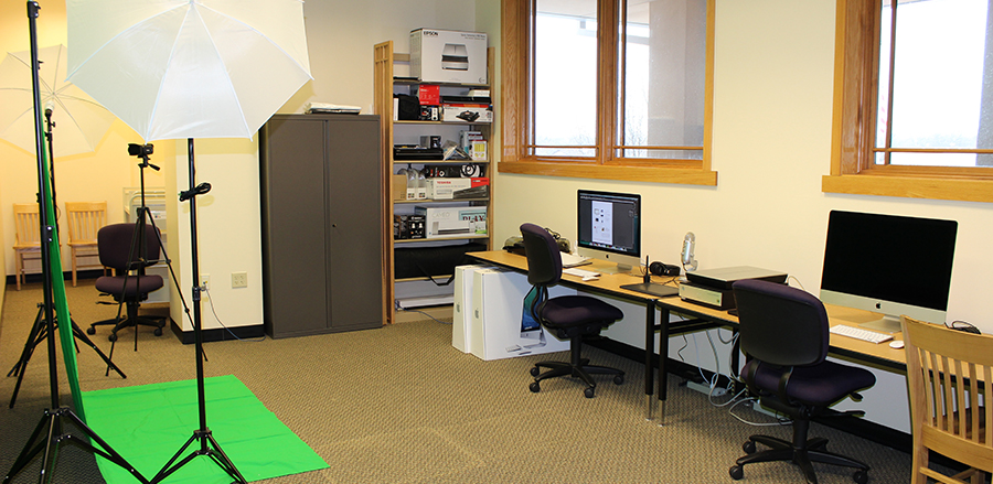 Photo of the Digital Media Lab room with equipment