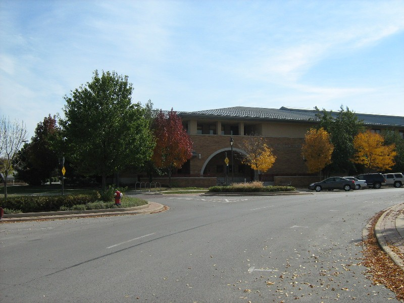 External photo of New Lenox Library building